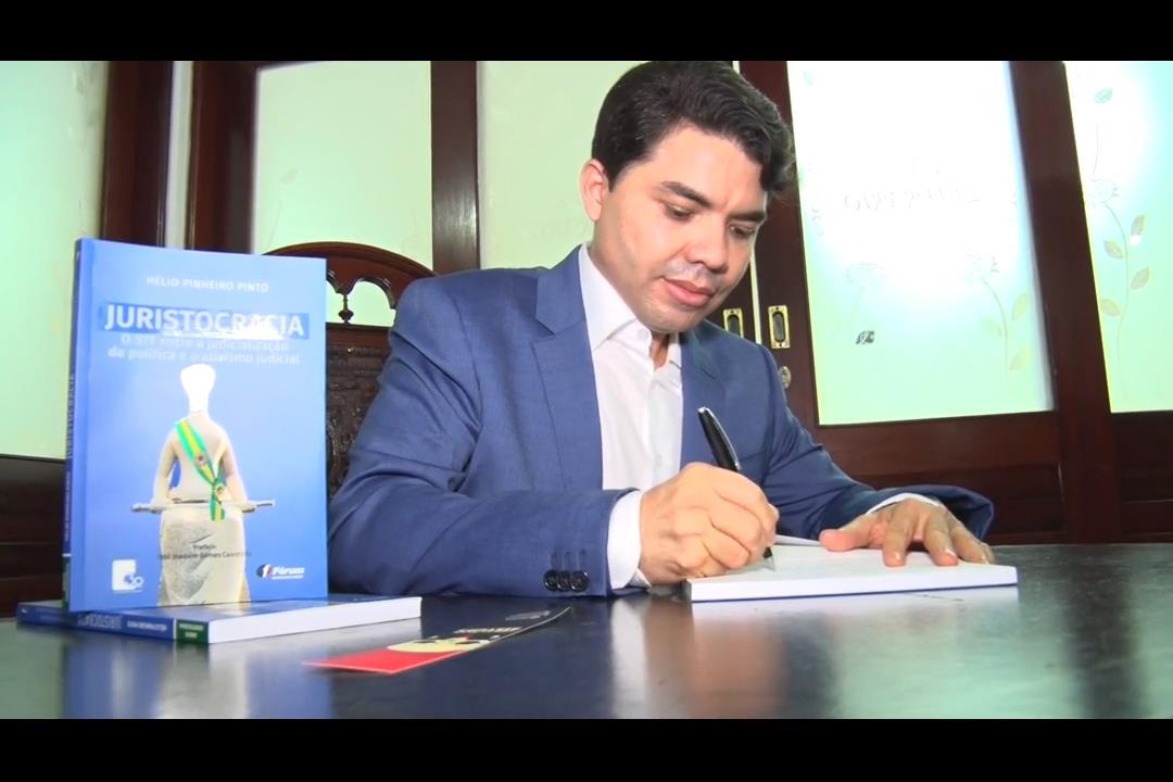 Juiz Hélio Pinheiro lança livro sobre Juristocracia